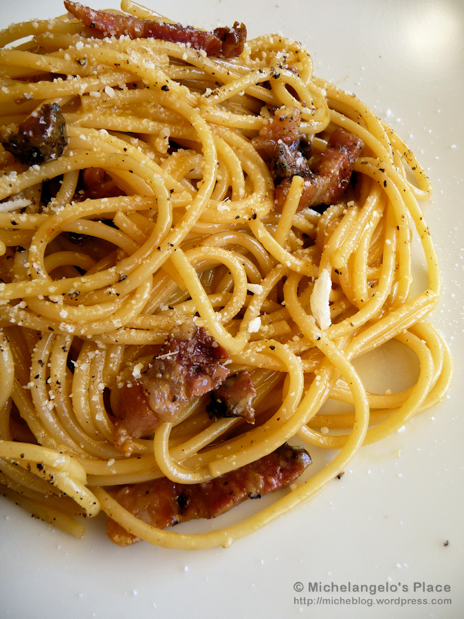 fine example of traditional Roman spaghetti alla carbonara.